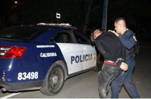 El agente policial fue llevado al Hospital Santo Tomás.