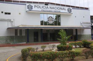 El hecho se registró el  13 de marzo de 2019, cuando el sujeto golpeó a dos unidades policiales en Cerro Batea.