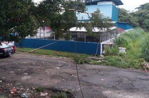 El cuerpo sin vida del agente policial fue encontrado en unos matorrales, cerca a los edificios multifamiliares en San Joaquín.