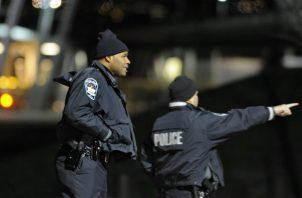 Cuomo recordó que el tiroteo ocurrió seis meses después del primer aniversario de otro tiroteo en una sinagoga en la ciudad de Pittsburgh (Pensilvania, Estados Unidos) que dejó once muertos.