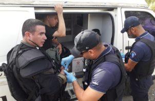 Los enfrentamientos entre las unidades policiales se dieron este lunes cuando se realizaba un desalojo de los productores en tierras que pertenecen al estado. Foto/José Vásquez
