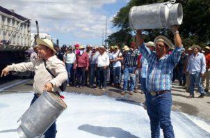 Productores agropecuarios logran acuerdo con el gobierno; firmaron un documento de entendimiento. Foto: Panamá América.