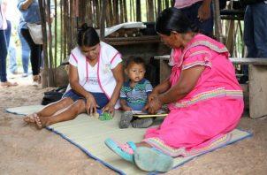 """El programa """"Cuidarte"""" va dirigido a padres de familia de niños de 6 a 36 meses en áreas de difícil acceso. Foto cortesía Mides"""