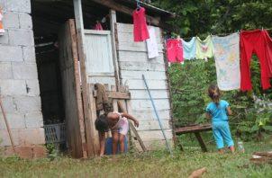 La población panameña recibe varios beneficios de distintas entidades públicas, para apoyarla en su desarrollo. Foto de archivo