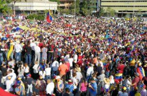 Masiva concentración de  Venezolanos en Panamá. Foto/Andreína Chacín
