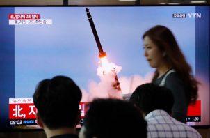 El ensayo del régimen norcoreano se produjo tan solo horas después de que la viceministra de Exteriores, Choe Son-hui, dijera que Corea del Norte ve con buenos ojos acordar una fecha para sentarse a hablar con representantes de la Casa Blanca a final de mes. FOTO/AP