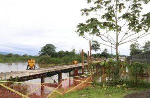 El puente se encuentra por la mitad. Foto de cortesía