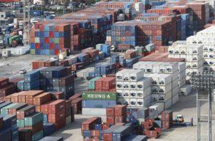 Una vez se declara una huelga en puertos se encienden las alertas a nivel internacional para que la carga no pase por esa terminal. EFE
