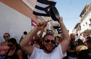 Las protestas llevan casi 10 días, la ciudadanía ha salido a la calle con sus cacerolas. FOTO/AP
