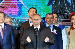 Rusia y China, que han invertido grandes sumas de dinero en la industria petrolera venezolana, respaldan a Maduro. FOTO/AP