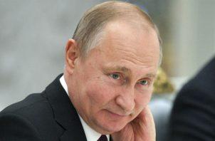 Putin expresó las condolencias de su nación por el incendio que devastó Notre Dame. Foto: AP.