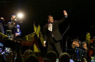 El expresidente Rafael Correa, Correa ha negado reiteradamente las imputaciones y ha advertido de una supuesta persecución judicial y política en su contra para eliminarlo del mapa electoral ecuatoriano.