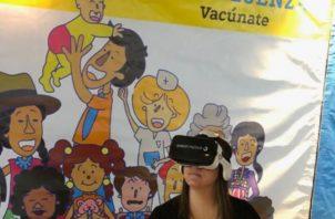 Lentes de Realidad Virtual que buscar disminuir el temor en los niños al vacunarse. Cortesía