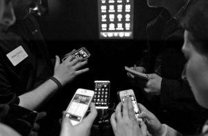 El alcance del público meta es más directo. Las redes sociales, como herramienta de comunicación, son indispensables como medio para divulgar los mensajes. Foto: EFE.