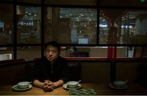 """""""Estamos casi extintos"""", dijo Liu Hu, reportero que estuvo detenido. """"No queda nadie para revelar la verdad"""". (Giulia Marchi para The New York Times)"""