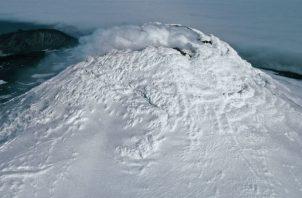 Nadie ha escalado el Monte Michael, a unos mil 600 kms. de la Antártida. (Pete Bucktrout/Servicio Antártico Británico).