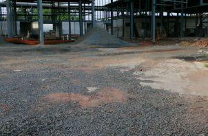 Por el momento el Mercado de Abastos se sigue construyendo con las especificaciones avaladas para la reactivación de las obras de reconstrucción.