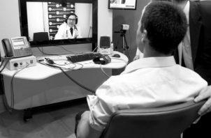 El profesional de las Relaciones Públicas desarrolla acciones y estrategias de comunicación y suma como aliada a la tecnología. Foto: EFE.