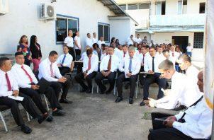 De los 22 reclusos 10 se graduaron de primaria y 12 de premedia.