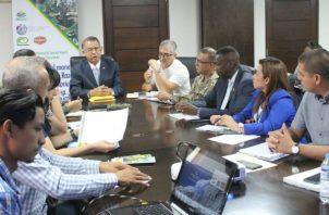 El ministro de Desarrollo Agropecuario, Augusto Valderrama sostuvo que como país hay  que estar preparados para defender el patrimonio fitosanitario.