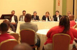 La reunión entre las autoridades del Gobierno Nacional y los dirigentes de 35 agrupaciones de Colón finalizó a altas horas de la noche del lunes 16 de septiembre. Foto cortesía