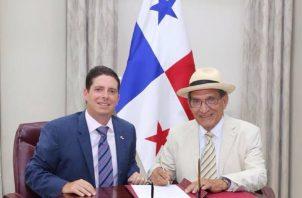 Reynaldo Rivera ha sido ministro de Trabajo en varias ocasiones y también embajador de Panamá en Cuba.