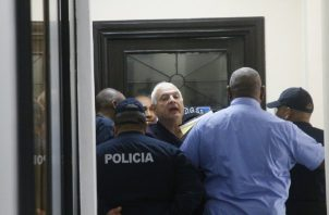 Tribunal de Juicio Oral analiza si le da libertad al expresidente Ricardo Martinelli. Foto: Panamá América.