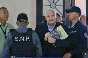 Expresidente Ricardo Martinelli explica en Twitter para qué usa el medicamento Cialis. Foto: Panamá América.