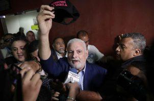 Ricardo Martinelli estuvo dos años en prisión. Acusa al expresidente Juan Carlos Varela de persecución política. Foto. EFE.