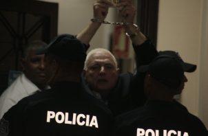 El expresidente Ricardo Martinelli sostiene que no está en las mejores condiciones dentro de la cárcel.