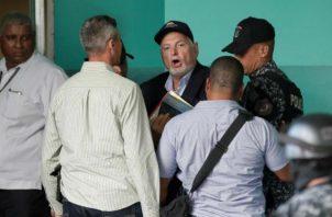 Van a probar la inocencia de Ricardo Martinelli en caso de los pinchazos, declara Carlos Carrillo. Foto: EFE.