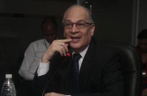 Rigoberto González sustentó el presupuesto de la Procuraduría de la Administración para 2020. Foto de Víctor Arosemena