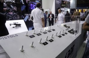 El arma robada, un modelo APC Compact de 9 milímetros y valorada en unos 400 euros, estaba en el estante de exposiciones de Beretta Defense Technologies. FOTO/EFE