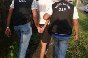 El sujeto había sido ubicado en El Chorrillo, huyó hacia Arraiján pero fue capturado. Foto: Policía Nacional.