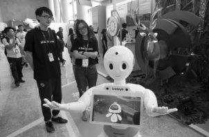 Se predice que la Inteligencia Artificial eliminará el 40% de los trabajos del mundo en los próximos 15 años. Foto: EFE.