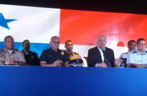 Rolando Mirones anunció a nuevos directores de los estamentos de seguridad. Foto Adiel Bonilla