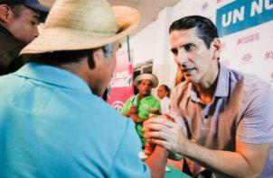 El candidato presidencial Rómulo Roux cuestiona acuerdo entre Juan Carlos Varela y el PRD para inhabilitar a Ricardo Martinelli.