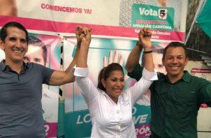 Rómulo Roux, Belkis Saavedra y Luis Casís, convencidos de su victoria. Foto: Cortesía.