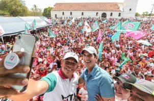 Luis Casís (izq.) y Rómulo Roux (c) forman la dupla de Cambio Democrático para las elecciones. Foto de cortesía