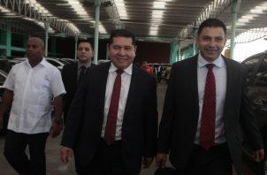 El diputado electo del Parlacen, Rubén De León, es acusado por las supuestas irregularidades en el manejo de las planillas en la Asamblea Nacional.