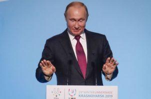 Las multas para las personas físicas oscilarán entre los 30.000 y 400.000 rublos (460 y 6.100 dólares), según la gravedad de las consecuencias de la difusión de noticias falsas.
