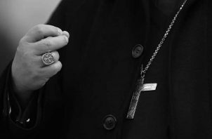 Hay infinidad de sacerdotes que han dejado su casa,  su familia y se han convertido en ciudadanos del mundo para servir al mundo.