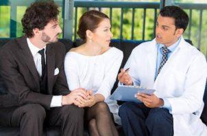 ¿Cómo sobrellevar la enfermedad de su pareja?