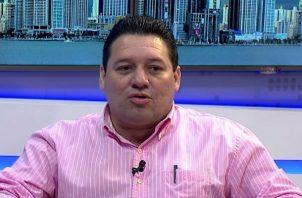 Samid Sandoval es candidato a alcalde de Santiago.