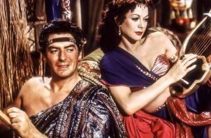'Sansón y Dalila'. El amor cegó a Sansón. Derrumbó el templo y  murió junto a 3, 000 filisteos. 'www.cineforever.com/'
