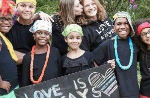 Todo comenzó dos años antes, cuando empezaron las denuncias de los allegados sobre supuestos abusos sobre los chicos: Markis (19 años), Jeremiah (14 años), Abigail (14 años), Devonte (15 años), Hannah (16 años) y la pequeña Ciera (12 años).