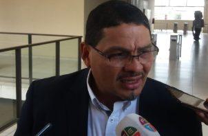 Méndez también pidió  a la procuradora investigar de oficio. Foto de Adiel Bonilla