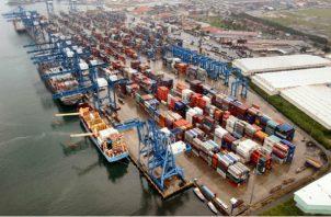 Los puertos generan más de 10 mil trabajos y el sector marítimo que es un tercio del producto interno bruto genera más de 200 mil trabajos. Foto/Archivo