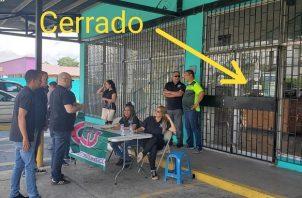 A pesar del inconveniente la recolección continuó en el exterior de la sede de Cambio Democrático.