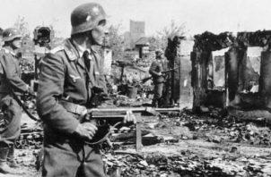 La Segunda Guerra Mundial destruyó masivamente propiedad privada, cercenó la libertad de las personas y produjo la muerte de 60 millones de personas. Foto: AP.
